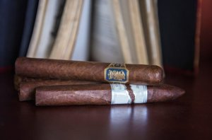 Try greatclubs cigar of the month subscription club today!